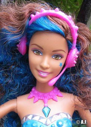 2015 Barbie in Rock N' Royals -      Erika - 2 in 1 CKB58