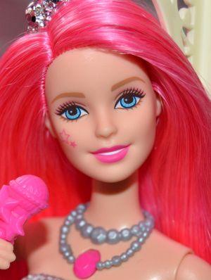 2015 Barbie in Rock N' Royals -       Courtney CKB57