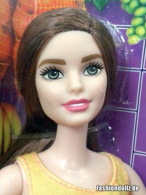 2016 Barbie Careers - Smoothie Chef Barbie DNC71