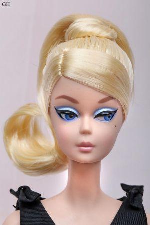 2016 Classic Black Dress Barbie, blonde DKN07