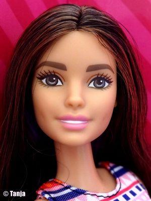 2016 Sparkle Style Salon / Glitzersalon Barbie, brunette (Teresa) DMM65