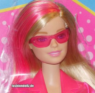 2016 Spy  Squad - 2 in 1 Secret Agent Barbie DHF17