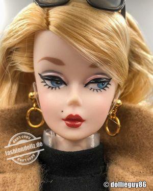 2016 Classic Camel Coat Barbie DGW54