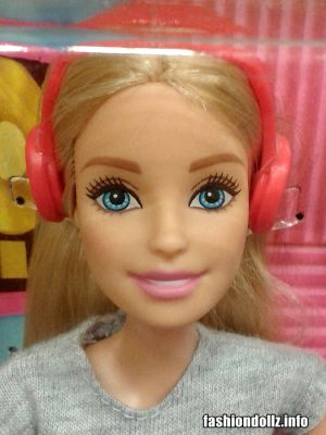 2017  Barbie Careers - Musician Barbie FCP73