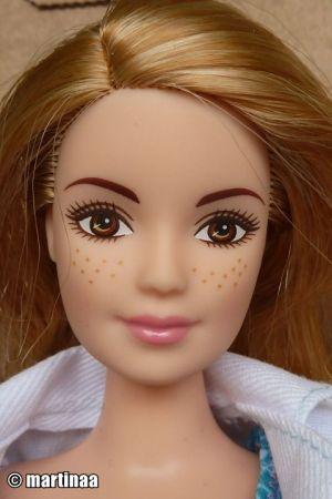 2017 Barbie Careers - Scientist (Curvy) DVF60
