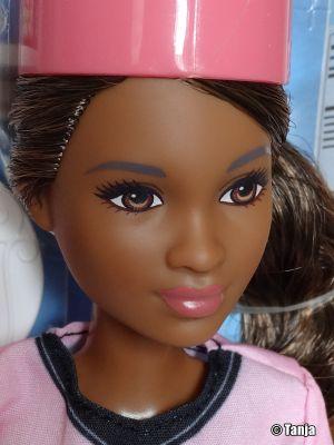 2017 Barbie Careers - Cupcake Chef (Petite) DVF54