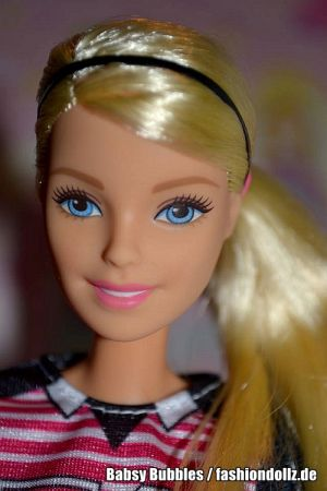 2017 Made to Move - Soccer Player Barbie DVF69