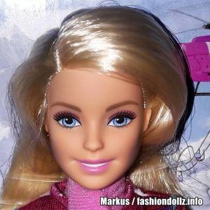 2017 Pink Passport - Winter Getway Barbie & her Sisters FDR56