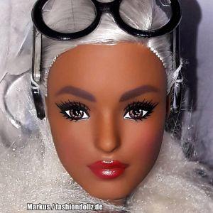 2018 Barbie styled by Iris Apfel #1 FWJ27