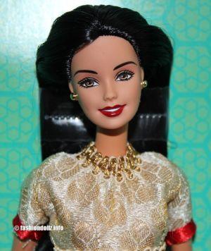 2018 Barbie visits Taj Mahal #P8228