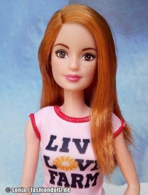 2018 Chicken Farmer Barbie Set #FXP15