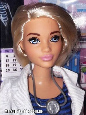 2019 You can be anything - Doctor Barbie (Curvy) FXP00