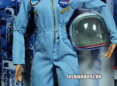 2019 Inspiring Women - Sally Ride Barbie #    FXD77