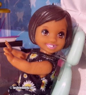 2019 You can be anything - Dentist Barbie Playset FXP17