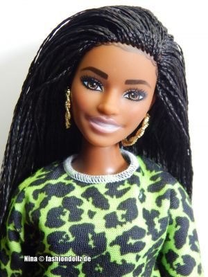 2020 Fashionistas Barbie #144 GHW58