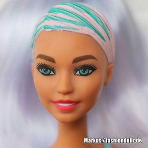 2020 Color Reveal Wave 2 Barbie - Eats 'n Treats - Doughnuts
