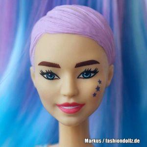 2020 Color Reveal Wave 3 Barbie #1 Rain