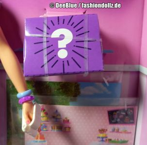 2020 Cookie Swirl C Barbie Playset #GLJ38 - Mystery Box (1)