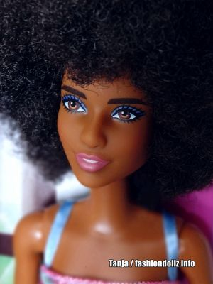 2020 Fashion Party Barbie GHT32