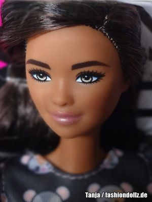 2020 Fashionistas Barbie   #140 GHW54 (Tall)