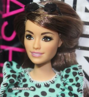 2020 Fashionistas Barbie #149 GHW63 (Curvy)