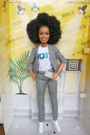 2020 Yara Shahidi Barbie #   GHT83
