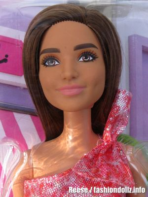 2021 Glitz Barbie, brunette T7580