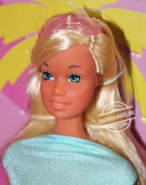 2021 Malibu Barbie Giftset, Barbie #GTJ86
