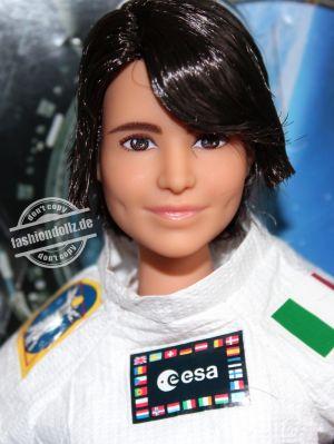 2021 Samantha Christoforetti Barbie #GTJ81 (3)