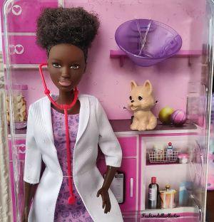 2021 You can be anything - Veterinarian Barbie GTN84