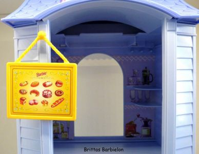 Barbie Bake Shop And Café #67316 (Mattel, 1999) #04
