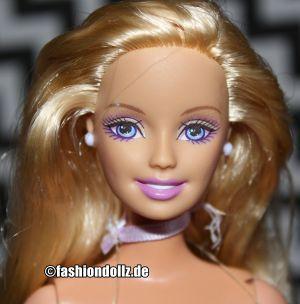 2005 Barbie and the Magic of Pegasus -       Princess Annika G8399