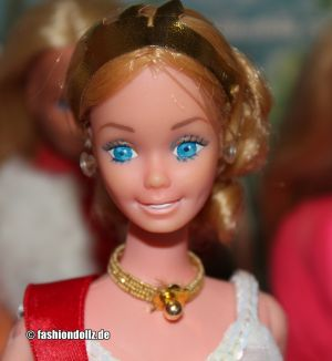 1980 Dolls of the World -  Royal U.K. Barbie #1601
