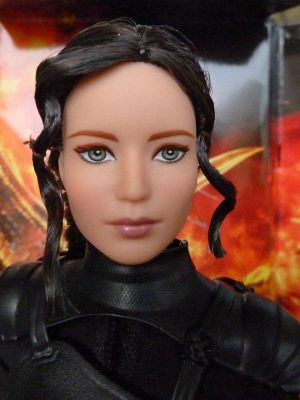 Jennifer Lawrence as Katniss, Mockingjay II (02)