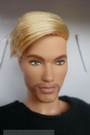 2021 Barbie Looks GTD90, Model #5