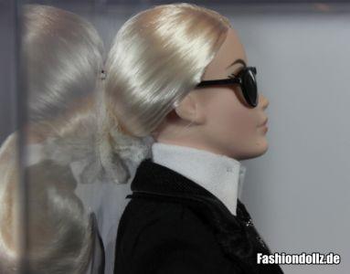 Mit Brille - Karl Lagerfeld Barbie 2014 01
