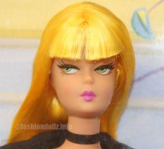 2003 1 Modern Circle Barbie, blonde B2527