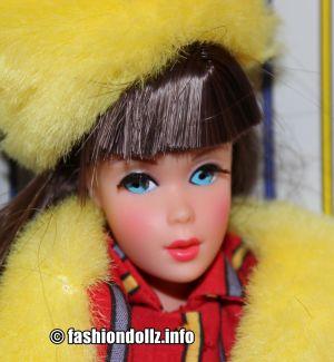 1998 Twist 'N Turn Barbie, brunette, Repro #23258