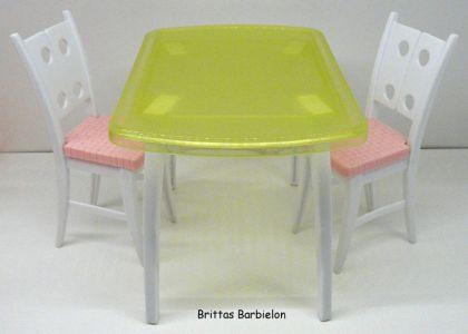 Tische und Stühle von Mattel  Mattel Bild #001