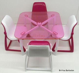 Tische und Stühle von Mattel Bild #060
