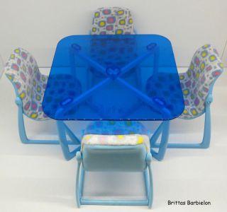 Tische und Stühle von Mattel Bild #066