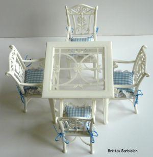 Tische und Stühle von Mattel Bild #093