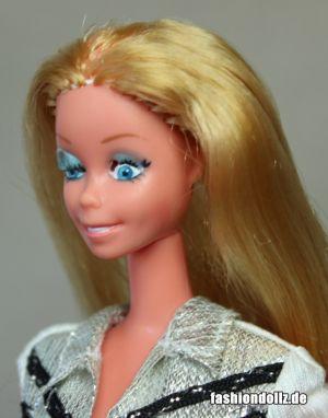 Western Star Winking Barbie (3)