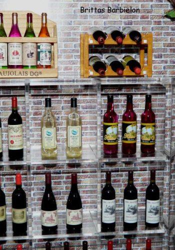 Weinhandlung Rebe 1:6 Display