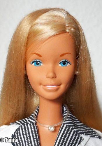 ©1976 Barbie SuperSize