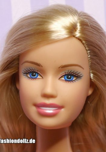 ©2005 Barbie opened mouth