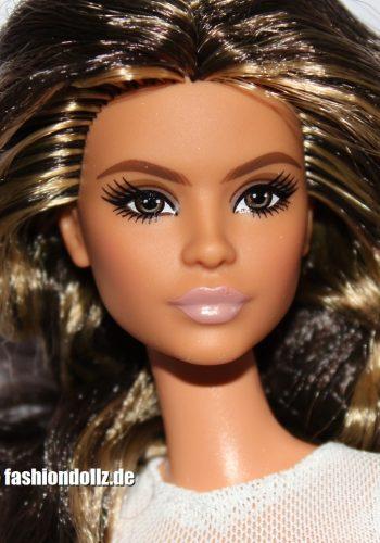 ©2020 Lina Barbie Looks, Model 1